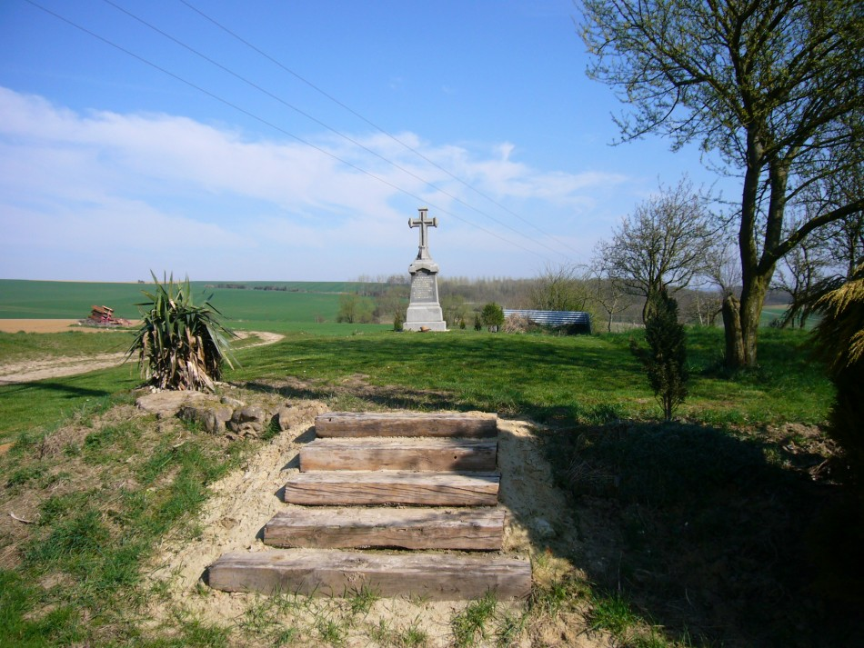 Memorial Albert Rapilly Grand-Rozoy Aisne (02)