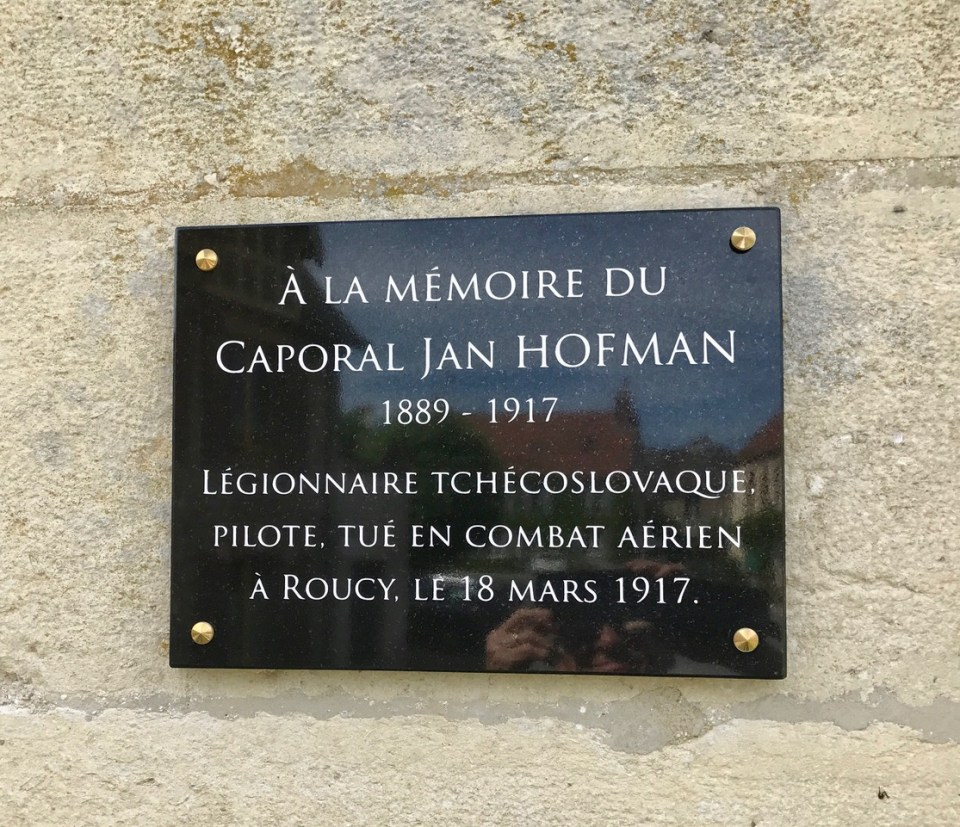 Plaque Jan Hofman Roucy Aisne (02)