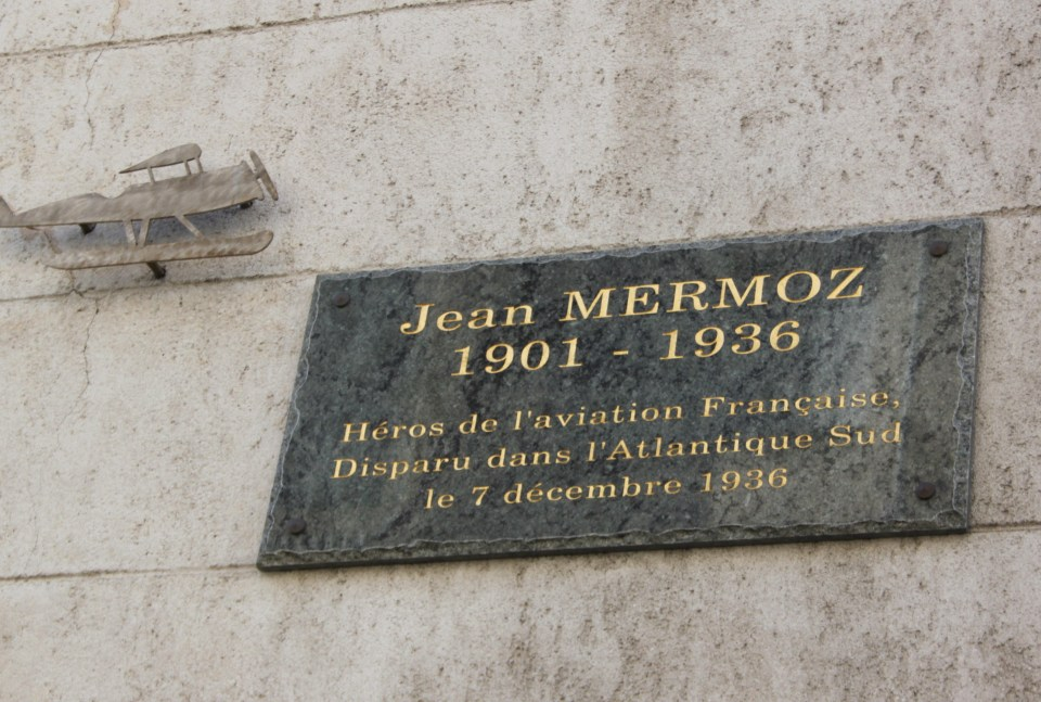 Plaque Jean Mermoz (閏ole) Marseille Bouches-du-Rh鬾e (13)