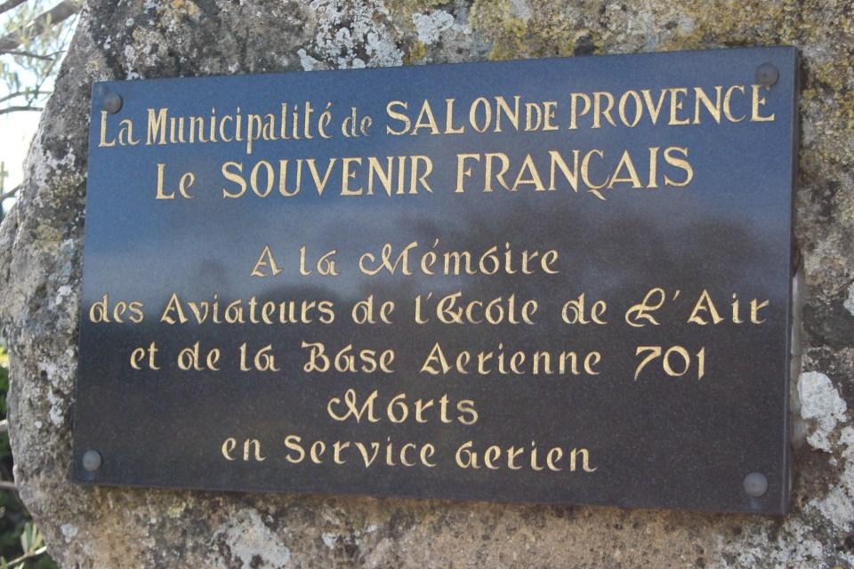 Aux morts de l 39 ecole de l 39 air et de la ba 701 salon de provence a rost les - Ecole de l air de salon de provence ...