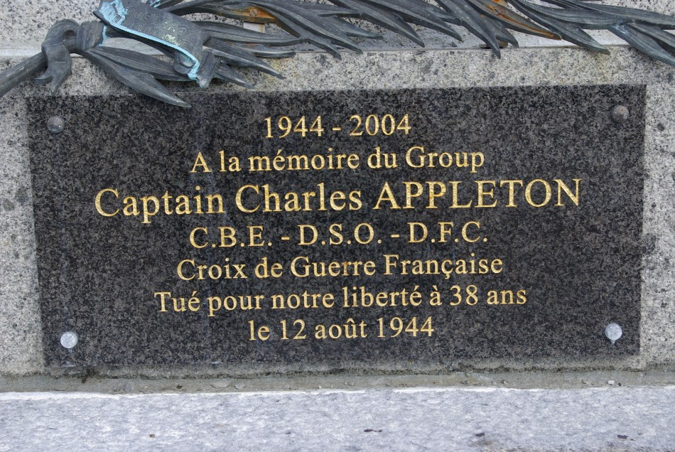 Plaque Group Captain Charles Appleton La Hoguette Calvados (14)