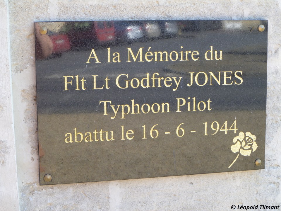 Plaque F/L Godfrey Jones Ling鑦res Calvados (14)