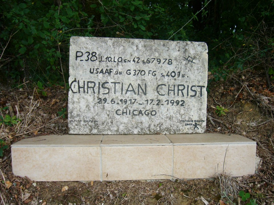 Memorial P-38 Christian Christ Coux Charente-Maritime (17)