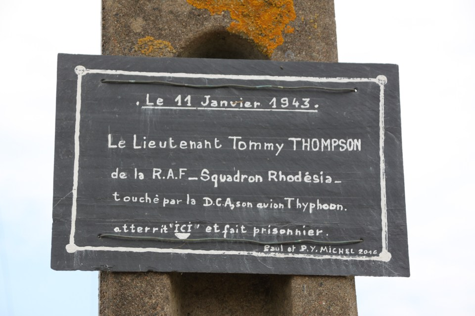 Plaque James Clack Thompson Plélo Côtes-d'Armor (22)