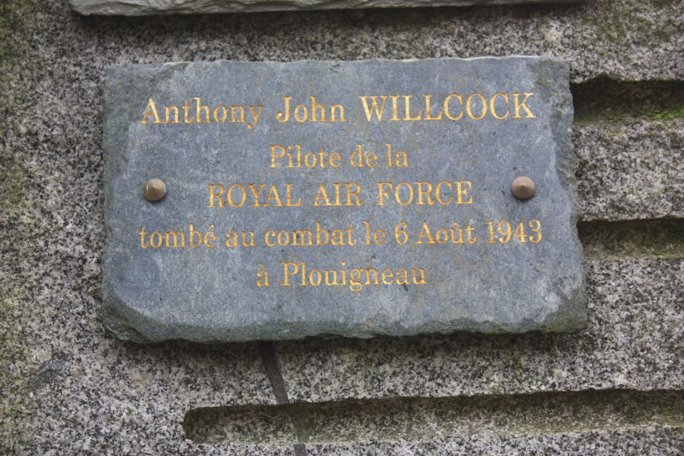 Plaque Anthony John Willcock Plouigneau Finist鑢e (29)