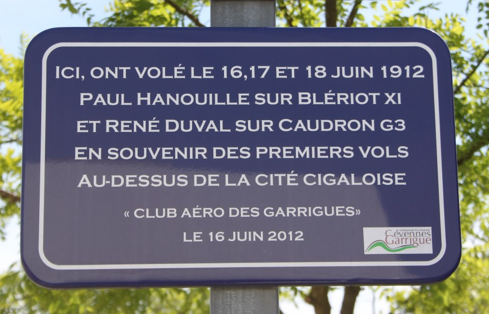 Plaque Paul Hanouille et René Duval Saint-Hippolyte-du-Fort Gard (30)