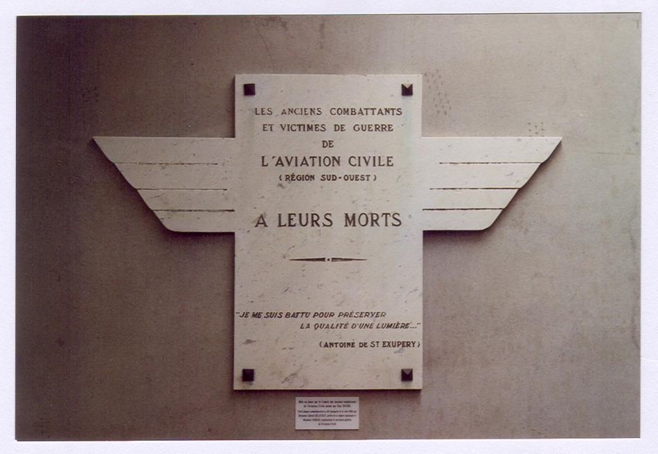 Memorial Aux Morts de l'Aviation Civile du Sud-Ouest Mérignac Gironde (33), Bordeaux Mérignac (zone civile) airfield