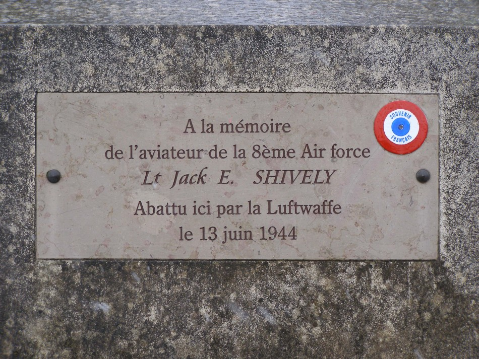 St鑜e Lt Jack E. SHIVELY Chinon Indre-et-Loire (37)