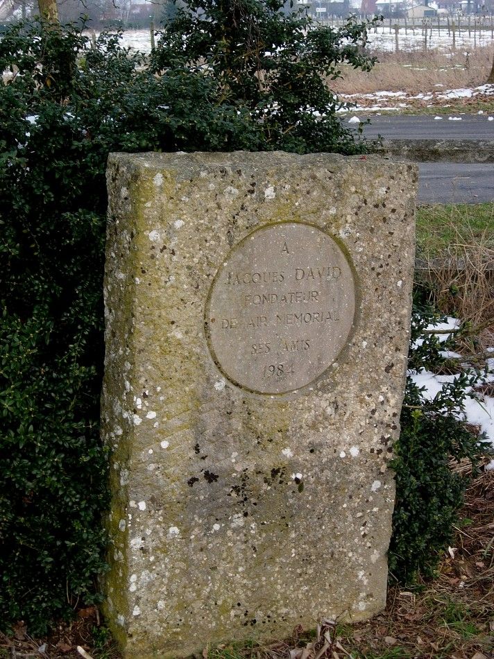 Memorial Jacques David Courlans Jura (39), Lons le Saulnier Courlaoux airfield