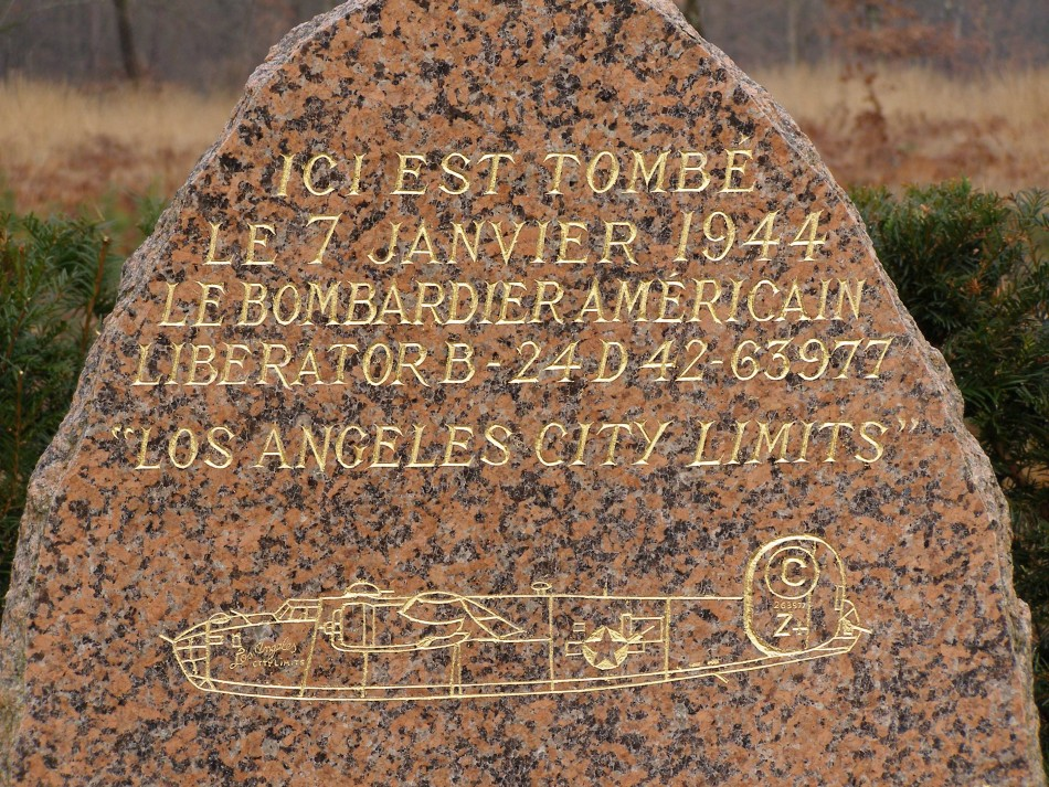 Memorial B-24-D Liberator 42-63977  'Los Angeles city limits' Traînou Loiret (45)