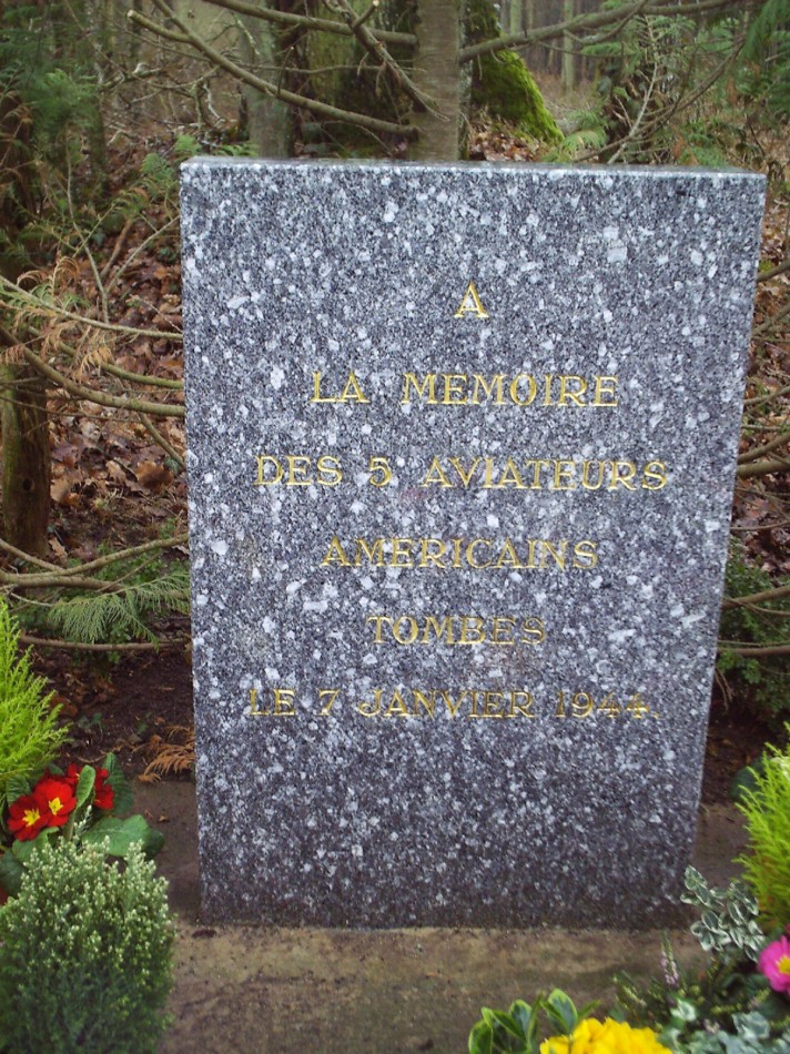 Memorial B-24 Liberator on January 7th 1944 (crash site) Vrigny Loiret (45)