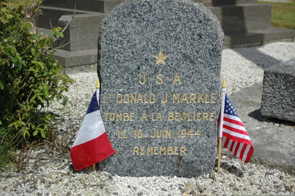 Memorial Lt Donald Markle Folligny Manche (50)