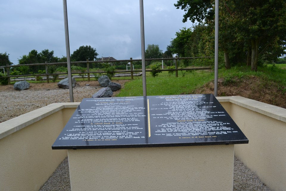 Memorial 440th Troop Carrier Group Carentan les Marais Manche (50)