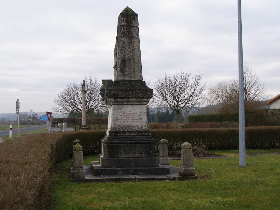 Monument Lieutenant aviateur Georges-Albert Thomas (site du crash) Givrauval Meuse (55)