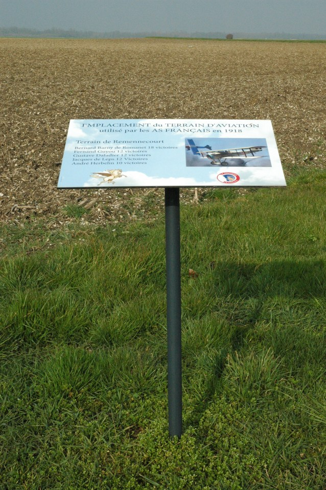 Sign Terrain d'aviation 14-18 Remennecourt Meuse (55)