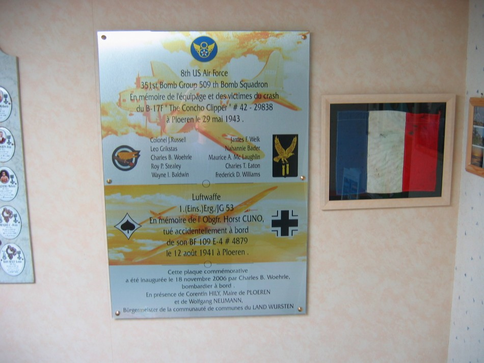 Plaque B-17F The Concho Clipper Ploeren Morbihan (56)