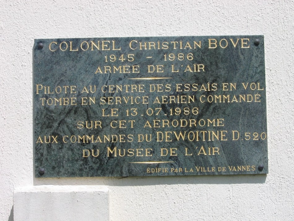 Plate Colonel Christian Bove Monterblanc Morbihan (56), Vannes Meucon airfield