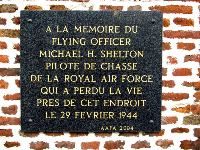 Plate Flying Officer M.H  SHELTON Paillencourt Nord (59)