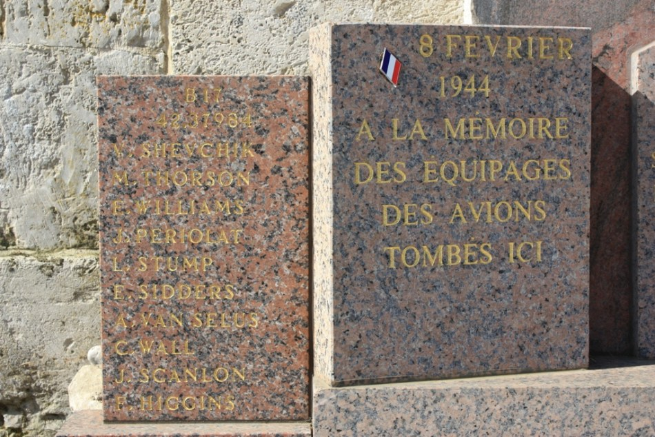Memorial B-17 42-37984 Catheux Oise (60)