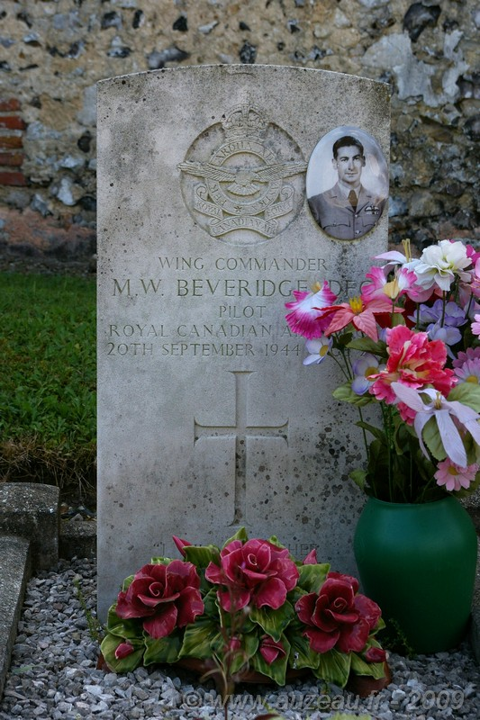 Plaque Wing Commander BEVERIDGE Flavacourt Oise (60)
