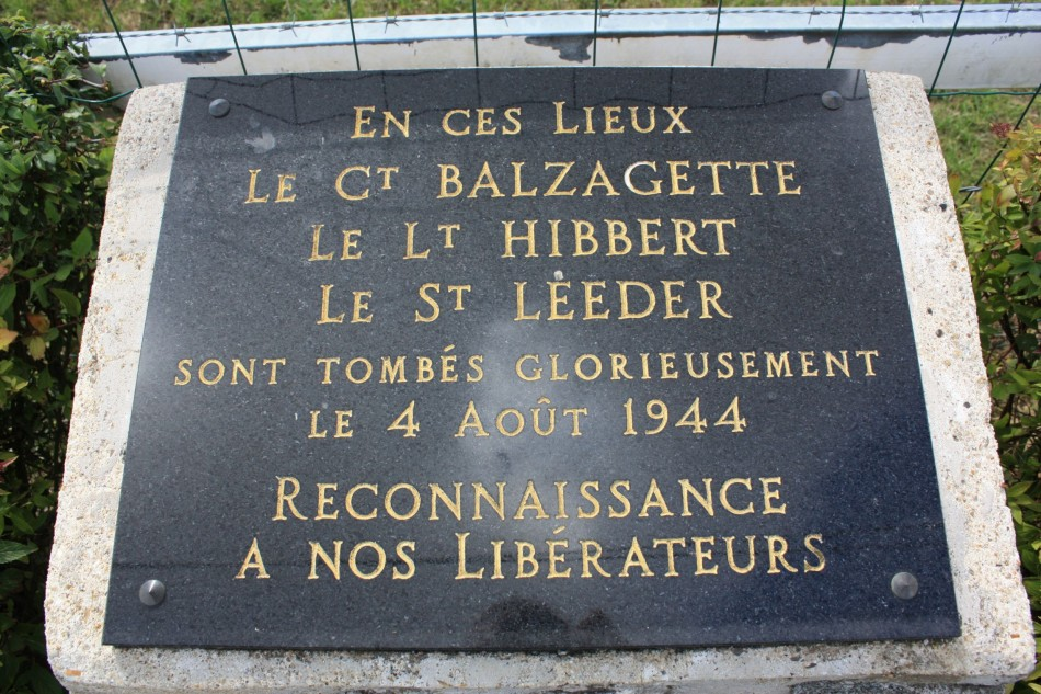 Memorial Lancaster ND811(monument aux morts) Senantes Oise (60)