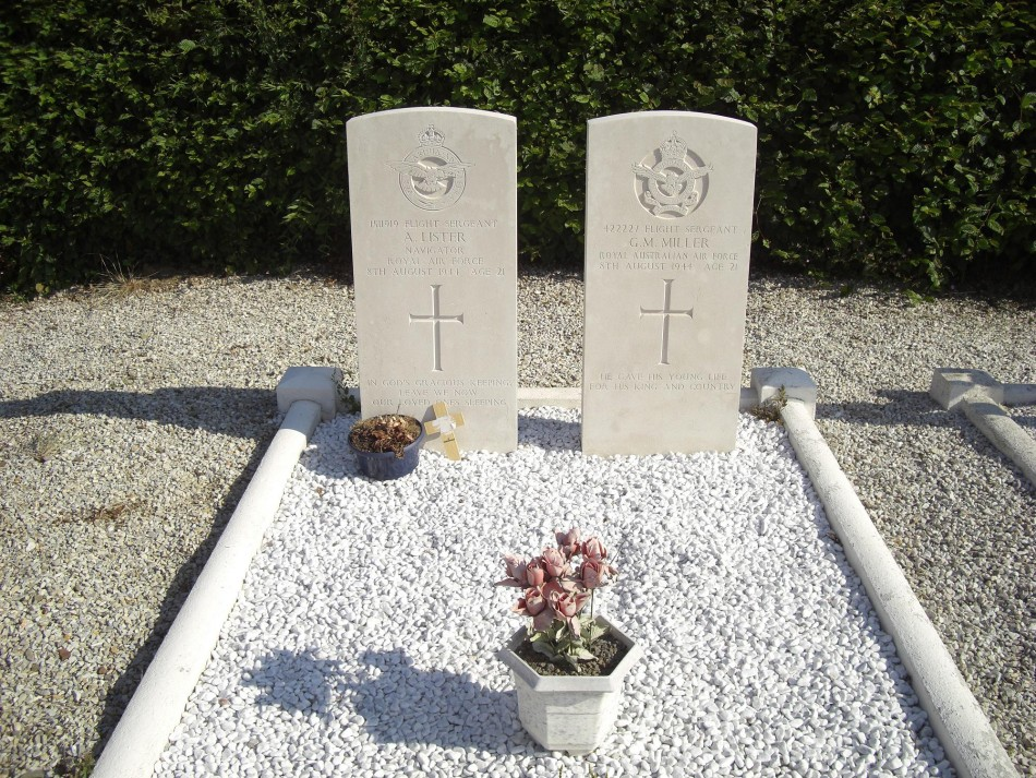 Memorial F/S G.M. Miller - F/S A. Lister - Equipage du Lorraine M閚il-Hubert-sur-Orne Orne (61)
