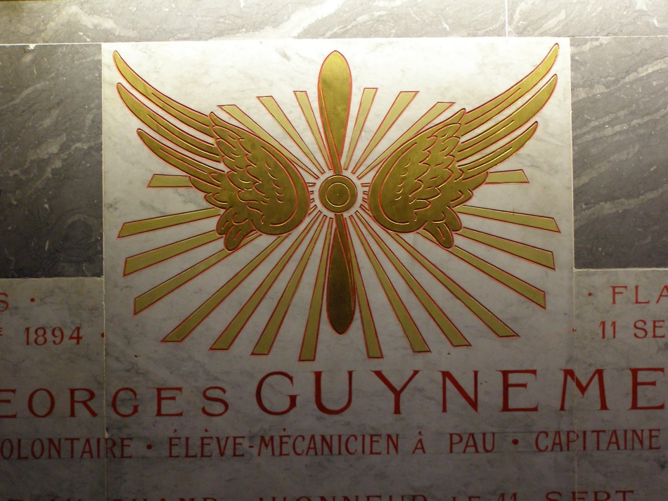 Plaque Georges Guynemer (間lise St Martin) Pau Pyr閚閑s-Atlantiques (64)