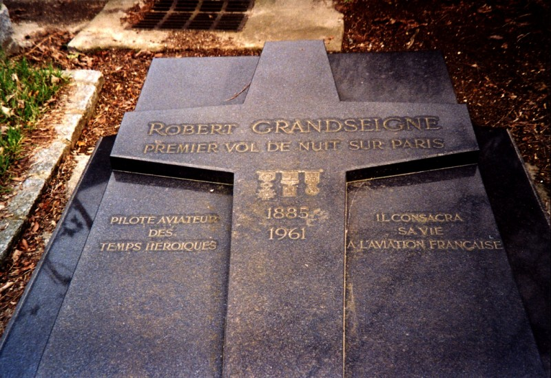 Tombe Robert Grandseigne Paris 16鑝e (Cim. Passy) Paris (75)