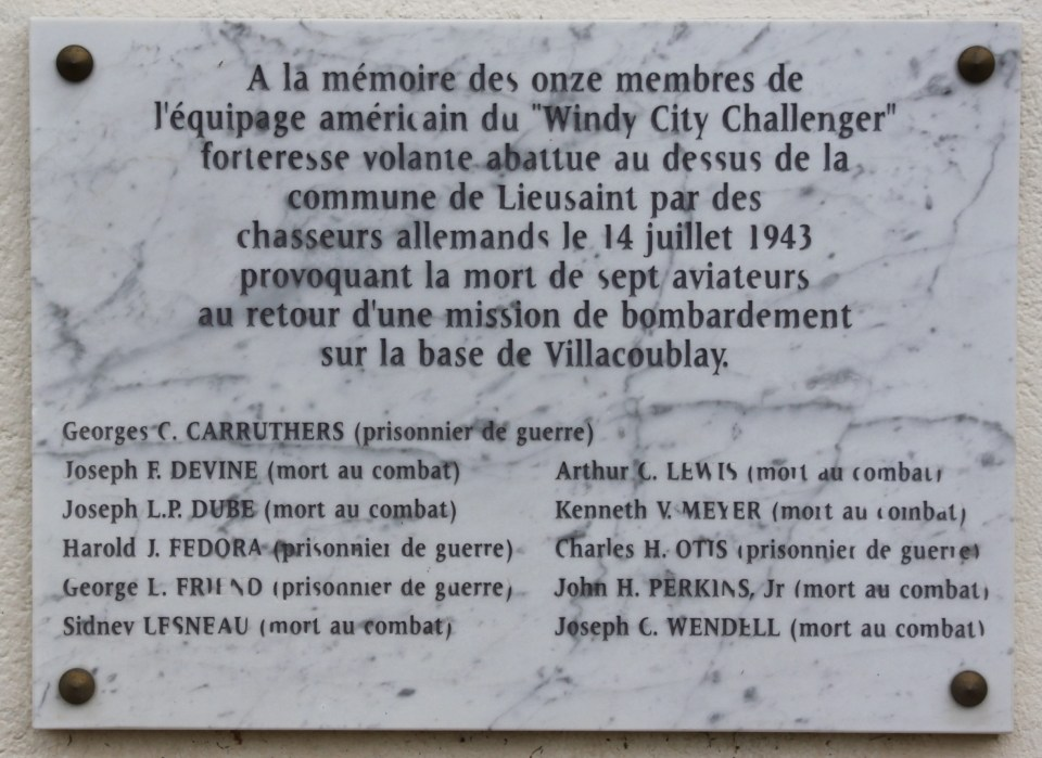 Plaque B-17 42-3049 Windy City Chalenger Lieusaint Seine-et-Marne (77)