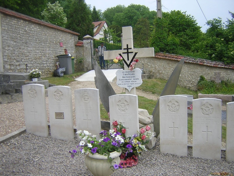 Memorial Lancaster LM338 Courgent Yvelines (78)