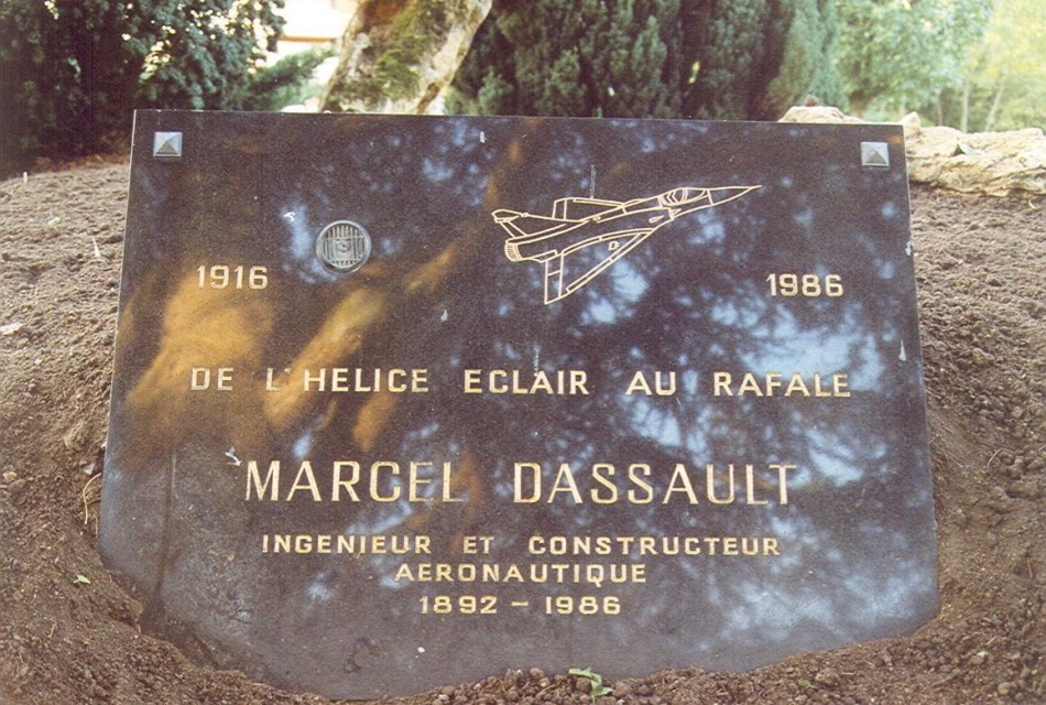 Marcel dassault v lizy villacoublay a rost les for Velizy villacoublay code postal