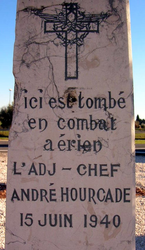 Memorial Adjudant-chef Hourcade Cuers Var (83)