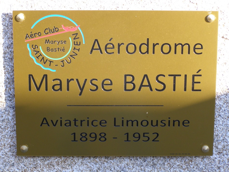 Memorial Aérodrome Maryse Bastié Saint-Junien Haute-Vienne (87), Saint-Junien airfield