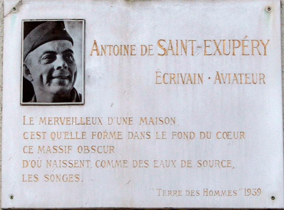 Antoine De Saint Exupéry écrivain Aviateur Dugny Aérostèles